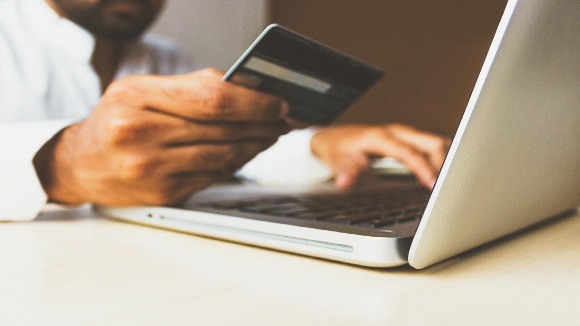 JCBクレジットカード4種類を徹底解説|年会費や紛失時の対処法も紹介