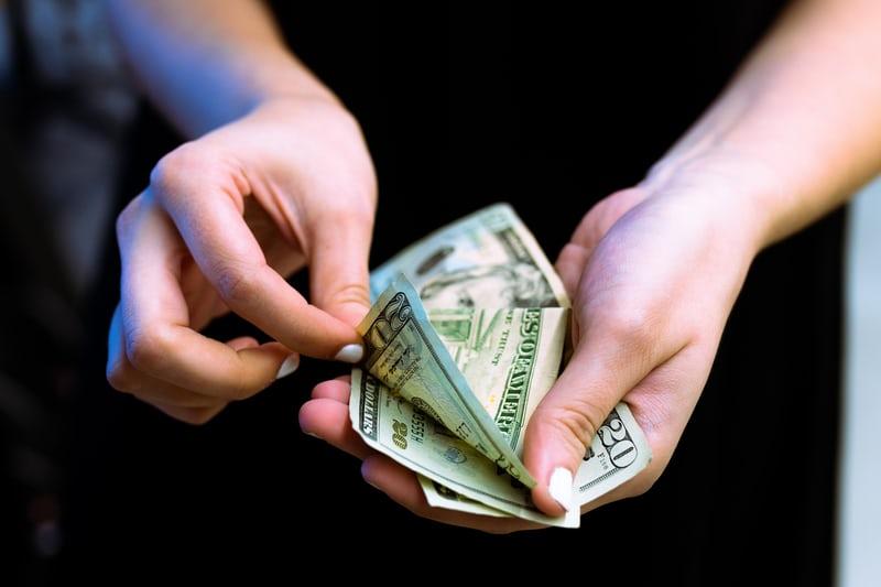 借りる 審査 なし お金