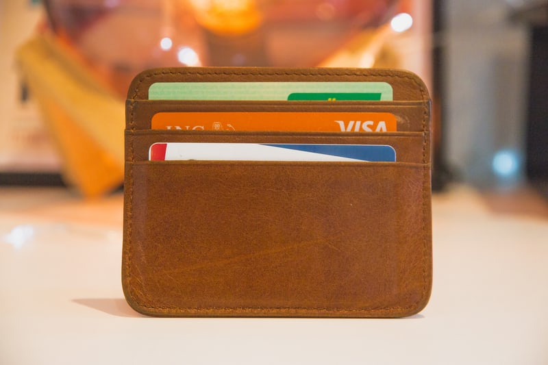 クレジットカードは何枚持ちが最強?枚数と使い分けのコツを紹介