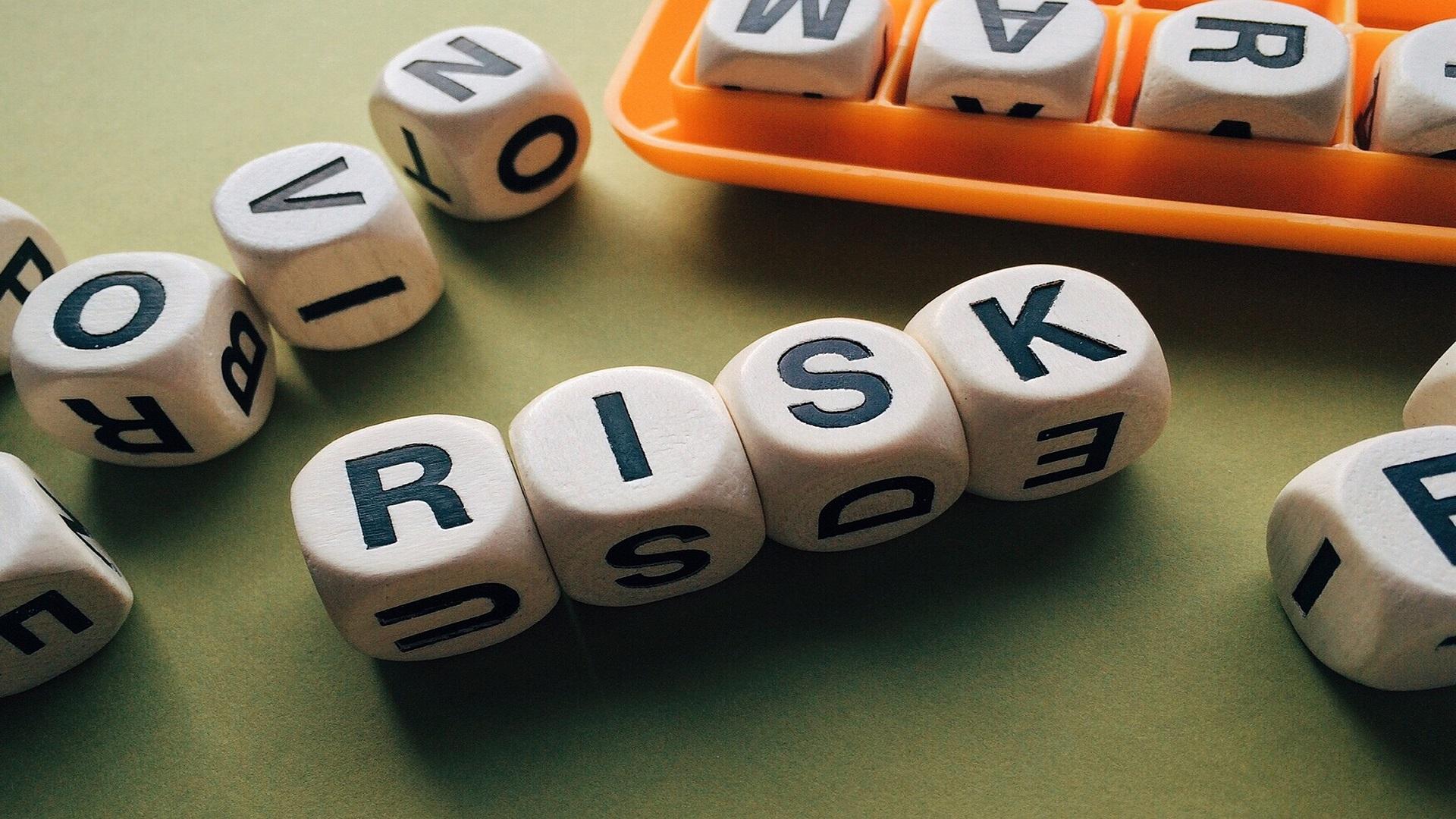 自己破産のリスクとは?家族への影響や8つの誤解も詳しく解説